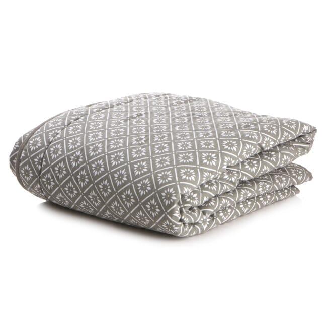 Helt nye Pledd grått quilt gavetilhenne med hvitt mønster 150x150cm - Skruen.no BH-92